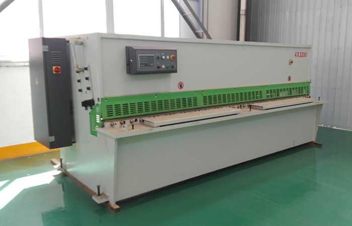QC11Y-30×2500液压剪板机,30个厚液压闸式剪板机
