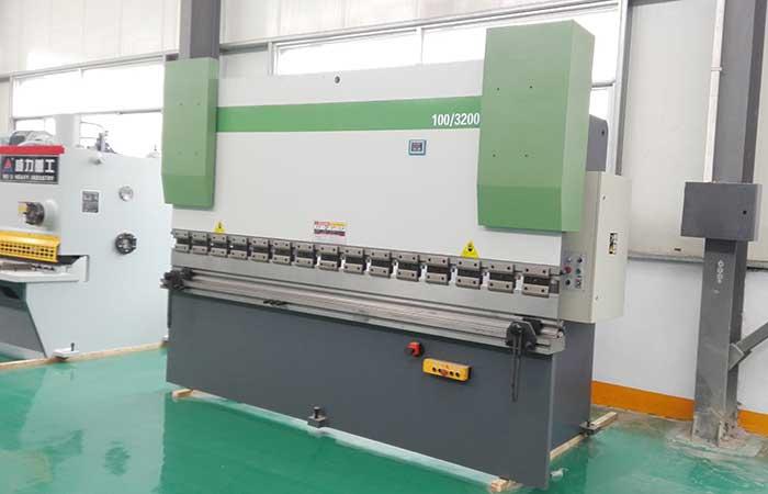 WC67Y-200T/3200液压折弯机,200吨3米2液压数控折弯机