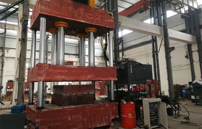 630吨漏粪板液压机